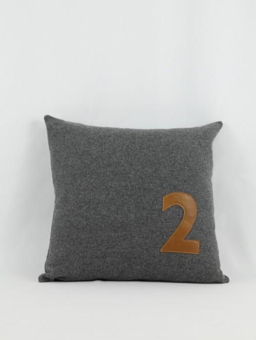 Coussin feutre gris/cuir 2